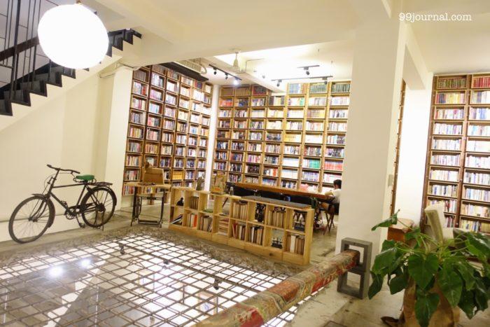艸祭Ciaoji Book innの図書スペース写真